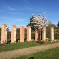 Friedhof Stelen